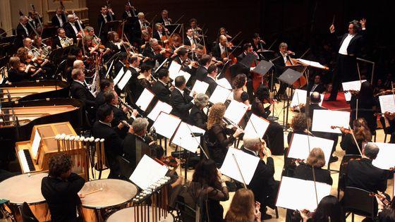Le  Chicago Symphony Orchestra et Riccardo Muti photographiés lors d'un concert au Carnegie Hall de New York le 3 octobre 2012