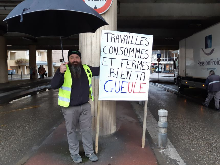 """Franck, gilet jaune et de toutes les manifestations """"retraites"""" depuis le début de la mobilisation le 5 décembre."""