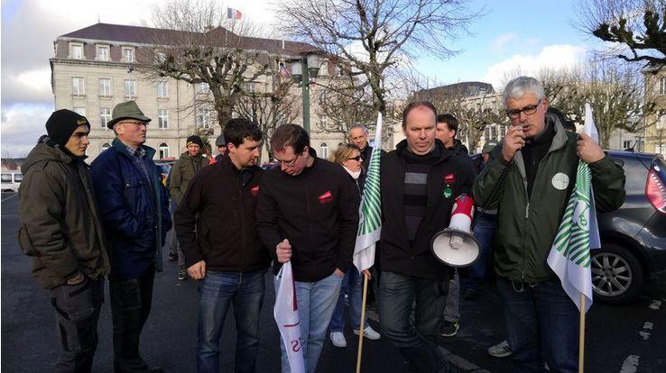 Les agriculteurs avaient manifesté à Guéret le 20 décembre contre l'exclusion de 40 communes de l'ouest creusois du dossier calamité agricole