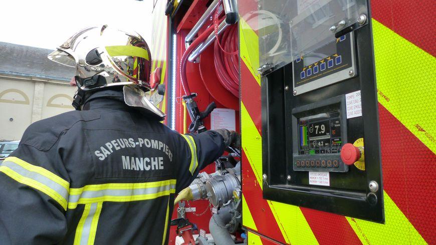 22 pompiers sont intervenus sur cet incendie à Agneaux, samedi 25 janvier.