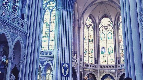 L'intérieur de la Basilique de Pontmain