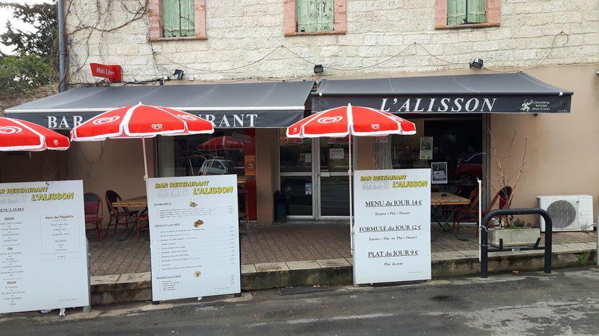 le restaurant du village de Corconne l'Alisson produit de la région cartes et menus du jour