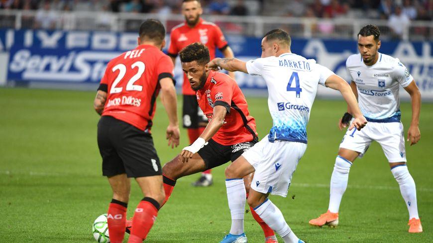 Au match aller, l'AJA et Guingamp ont fait match nul, 2-2, le 18 août 2019.