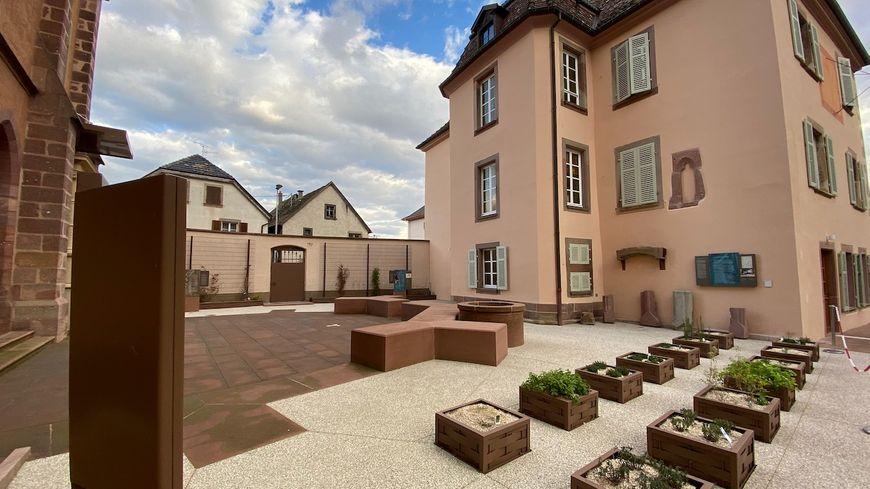 Issenheim, le musée et les traces de l'église ancienne