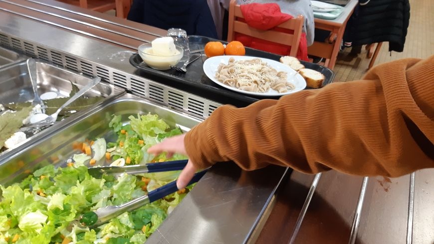 Chaque semaine, un repas végétarien est proposé aux élèves du collège François-Albert à Celles-sur-Belle