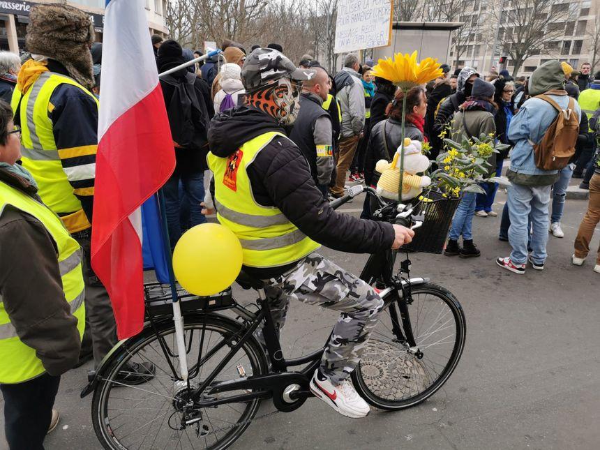 A Rouen, on manifeste aussi à vélo