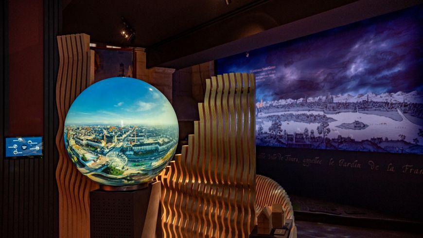 Le Logis - Place Châteauneuf - Tours - Sphère 360° pour diffusion de vidéos