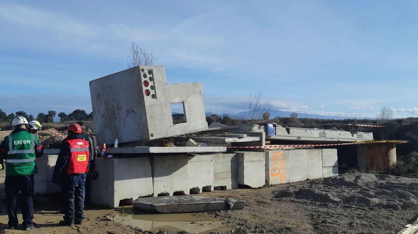 Un village en ruine reconstitué.