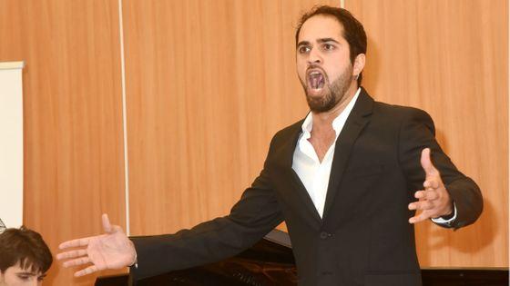 Aslam Safla, grand vainqueur de la deuxième édition du concours Voix d'Outre-mer