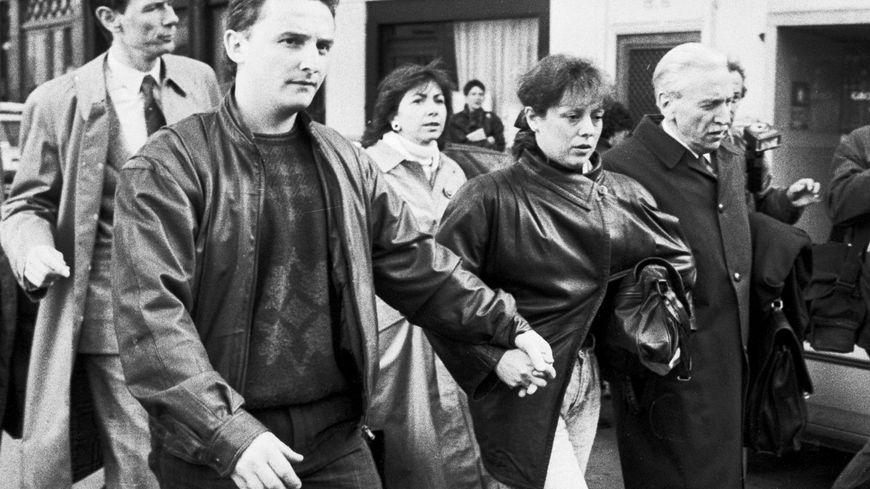 L'avocat des époux Villemin Thierry Moser (à gauche) annonce le lancement d'un appel à témoins pour retrouver le coupable.