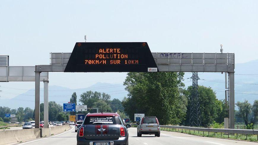 En cas d'alerte rouge à la pollution de l'air, la vitesse de circulation peut être abaissée