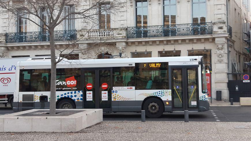 Bus Tango à Nîmes (Gard)