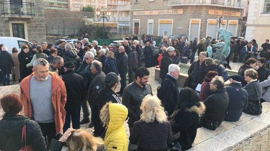Beaucoup de monde à Propriano pour condamner des actes de violences à l'encontre d'anciens
