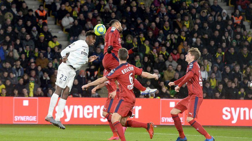 Le défenseur du FC Nantes, Thomas Basila, n'est pas exempt de tout reproche sur le but bordelais inscrit en fin de match par Jimmy Briand.