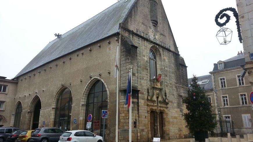 Qui succédera à Thierry Vinçon, à la mairie de St-Amand-Montrond ?