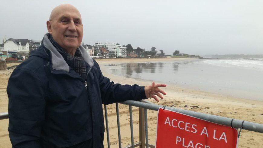 Le maire de Larmor-Plage, Victor Tonnerre, s'est lui aussi fait avoir par ces sables mouvants.