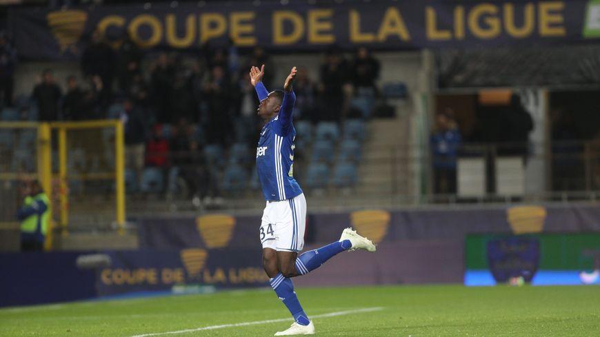 Youssouf Fofana (buteur ici face à Lille en Coupe de la Ligue) devrait quitter rapidement le Racing pour Monaco