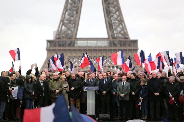 Le 5 mars 2017, le candidat LR François Fillon a réunit des milliers de sympathisants au Trocadero, à Paris.