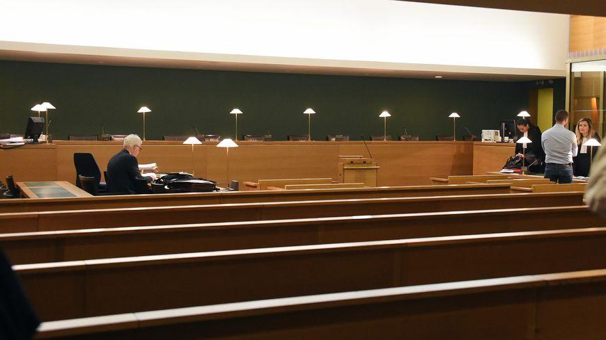 Le tribunal corerctionnel de Lyon accueille ce procès.