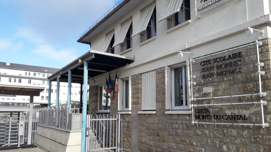 Aurillac : les professeurs du Lycée Monnet Mermoz continuent d'exercer leur droit de retrait