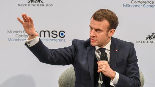 Emmanuel Macron presse l'Allemagne de s'impliquer face aux défis européens