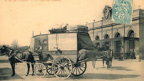 Caen, la mémoire d'une ville en noir et blanc, le succès des trains et du café de la gare.