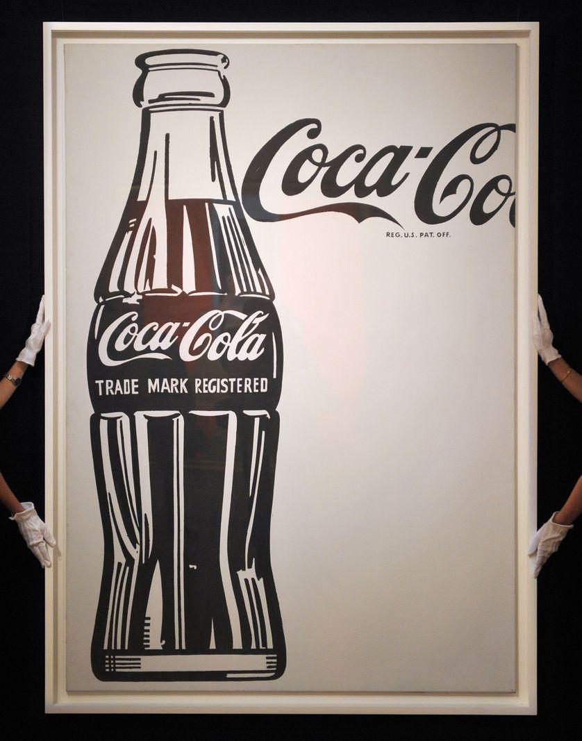 L'œuvre Coca-Cola [4] Large Coca-Cola d'Andy Warhol à la maison de ventes aux enchères Sotheby's à Londres en octobre 2010