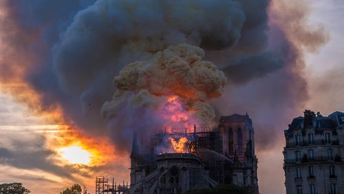 Épisode 4 : Le grand incendie de la forêt de Notre-Dame de Paris