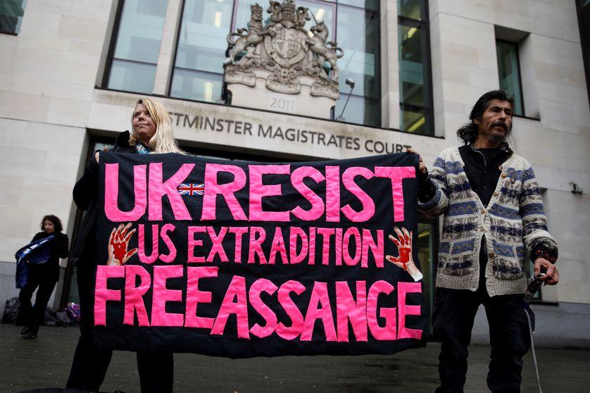 Julian Assange : martyre de la liberté d'informer ?