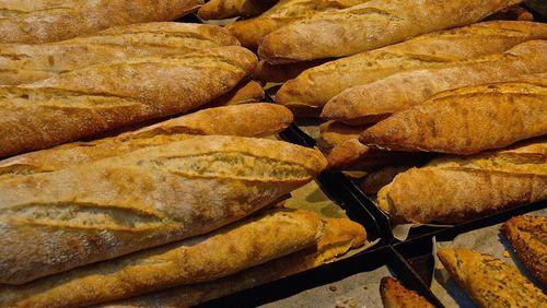 Baguettes et traditions