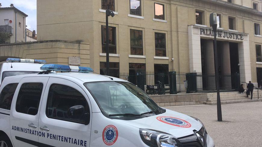 Les avocats de Nîmes votent pour la poursuite de la grève