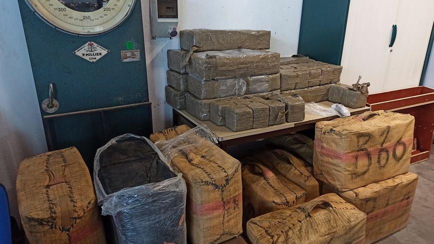 Lors d'un contrôle, les douaniers du Perthus ont retrouvé près de 500 kilos de cannabis à bord d'un véhicule.