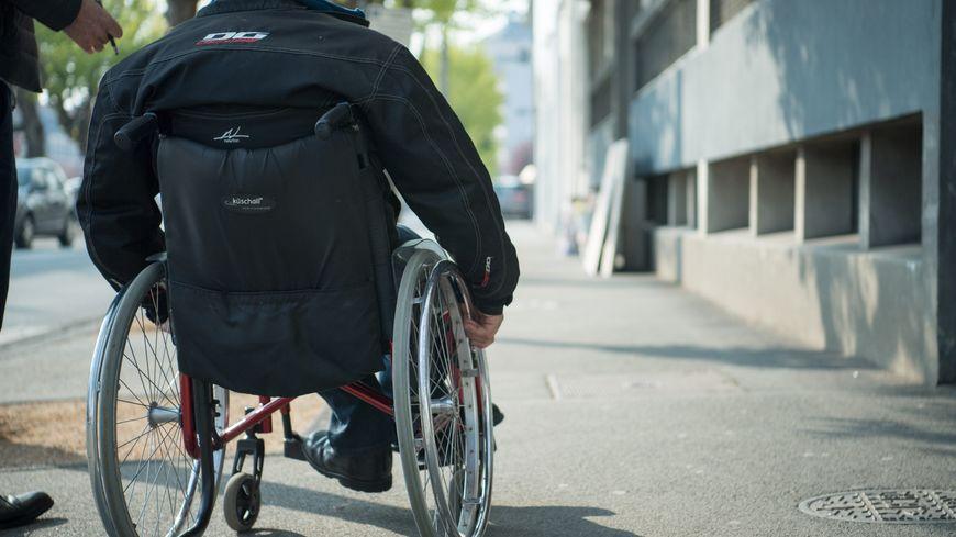 Aujourd'hui le handicap, qu'il soit moteur, sensoriel ou mental, touche 12 millions de français