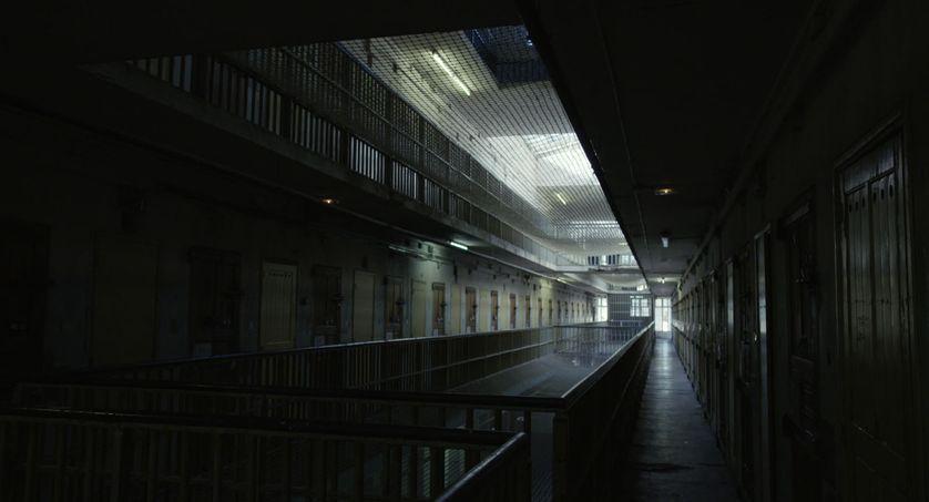 Que reste-t-il de l'humanité en prison ?