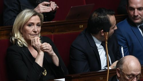 Marine Le Pen recule pour mieux enjamber le premier tour de la présidentielle