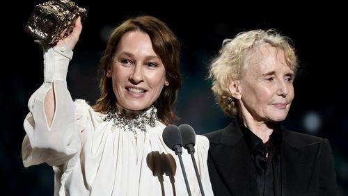 """""""C'est la honte"""" : le César du meilleur réalisateur remis à Roman Polanski, l'actrice Adèle Haenel quitte la cérémonie"""