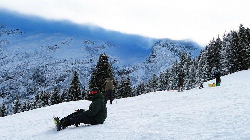 Un skieur retrouvé mort en contrebas d'une piste aux 7 Laux