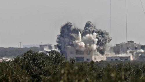 Syrie : les bombardements à Idleb ont fait fuir près d'un million de Syriens