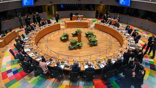 Union européenne: après deux jours de sommet, les 27 échouent à se mettre d'accord sur un budget commun
