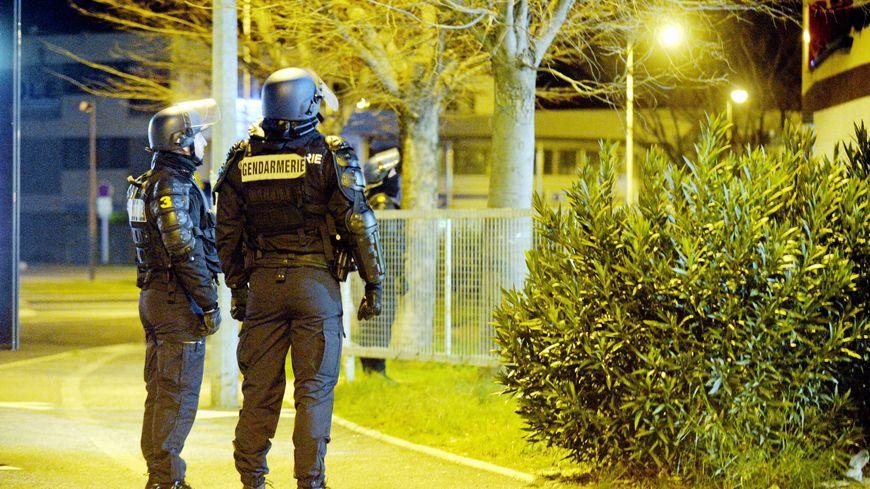 Isère : ils s'en prenaient à des distributeurs de billet, 6 interpellations ce matin