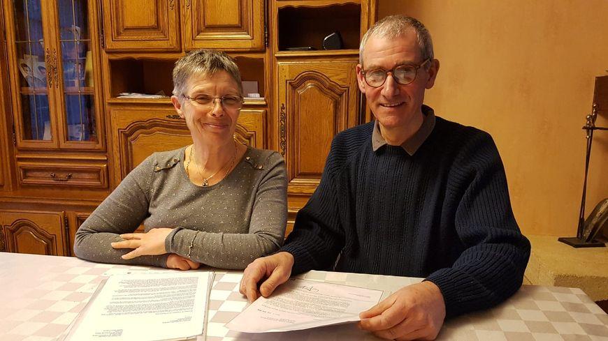 Marie-Josée et Dominique Béchu, parents de Ludovic, handicapé moteur et physique depuis son enfance à Outarville, dans le Loiret.