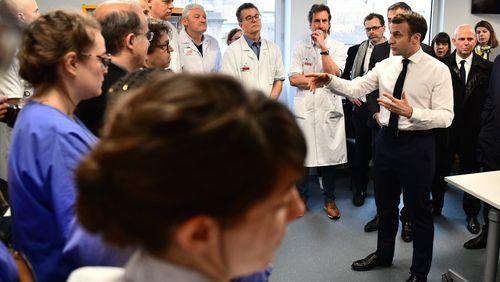 """Coronavirus en France : """"Devant nous, une crise qui arrive..."""""""