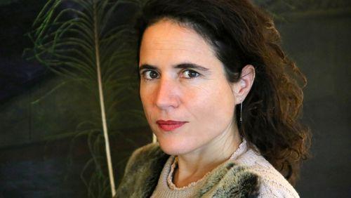 Profession philosophe (58/62) : Mazarine Pingeot, l'enfance a-t-elle sa place en philosophie ?