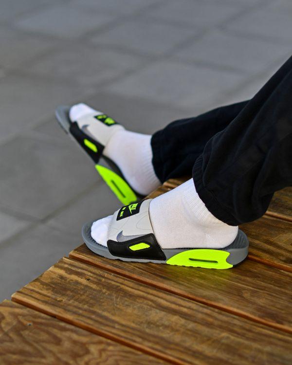 Nike sort une paire de claquettes inspirée de la Air Max 90