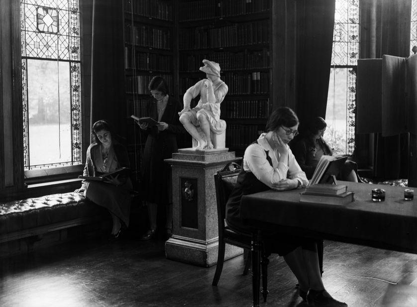Étudiantes au Girton College de Cambridge, 1931.