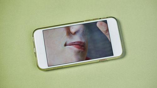 Visage Visage (3/4) : De l'autoportrait au selfie, comment ne pas perdre la face ?