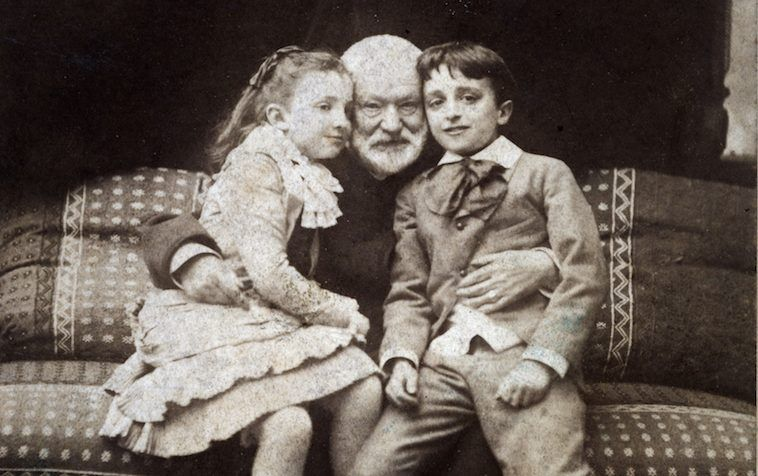 A petite Jeanne - Victor Hugo 838_p11-une-famille-dartistes-les-hugo_01-e1465980571389