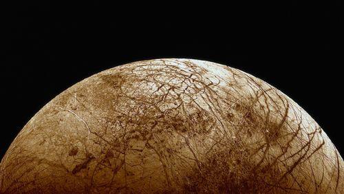 7 planètes du système solaire en 10 émissions