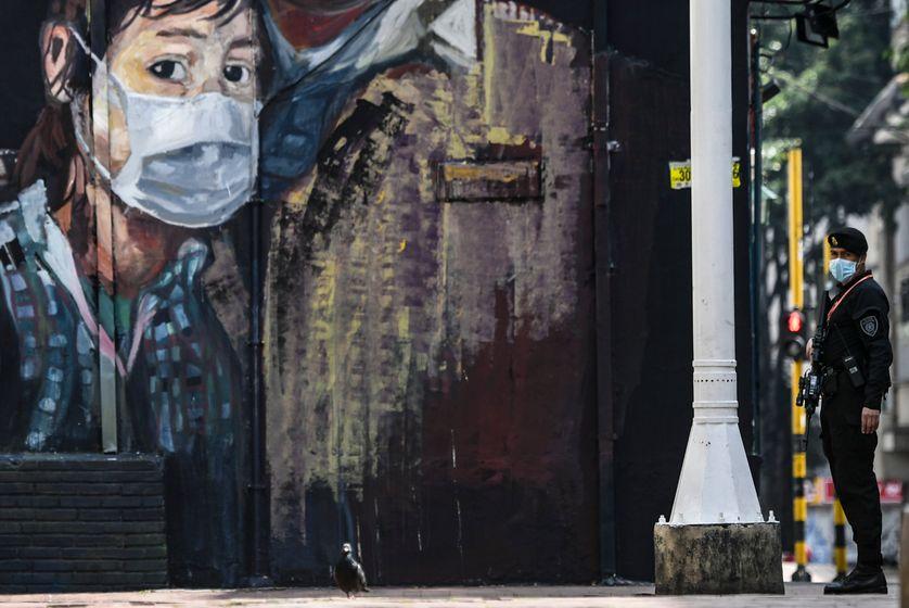"""Colombie, Etats-Unis : des prisons sous tension face à la """"tempête"""" Covid-19 qui s'annonce"""