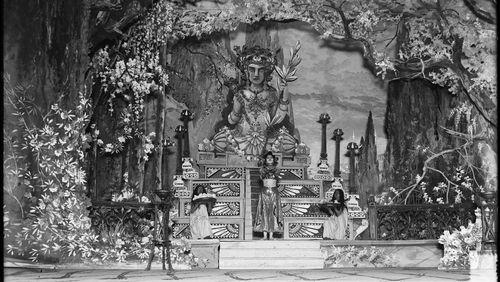 """La Nuit de l'Inde (7/10) : """"Les styles de la danse indienne"""" avec Mrinalini Sarabhai"""